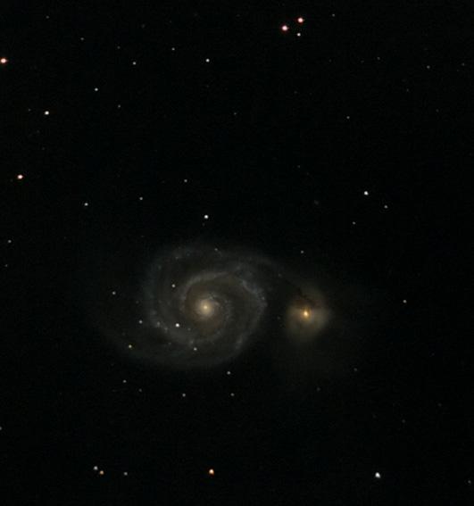 Galaktyka M51 zwana również Wir oddalona jest od nas o około 25mln lat świetlnych. Towarzyszy jej nieregularna towarzyszka NGC5195. Canon 20D + GSO 150/750, 10x300s.