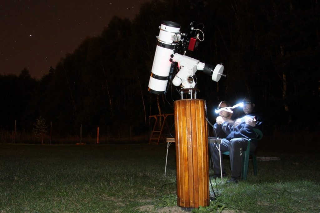 Telescope pier with HEQ5 mount and 6 inches newtonian