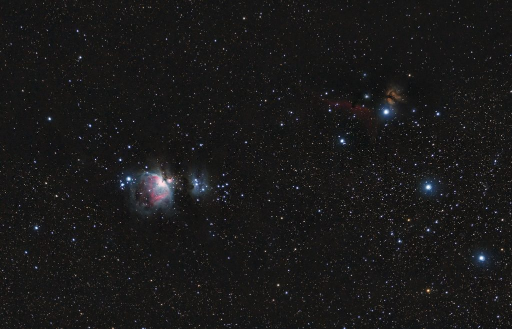 Orion belt (at right) and some nebulaes: M42, Horsehead, Flame nebula