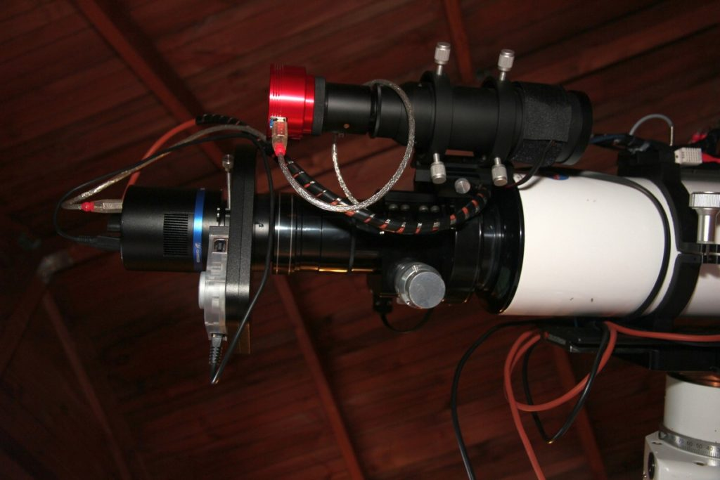 Small 50mm aperture Orion guidescope with ASI290MM camera