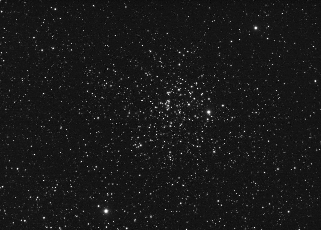 M52 open cluster in Cassiopeia. 120x5 seconds of luminance - full frame