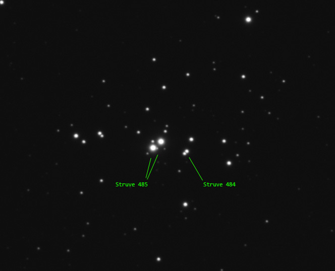 Struve 485 and 484 double stars in NGC1502 center